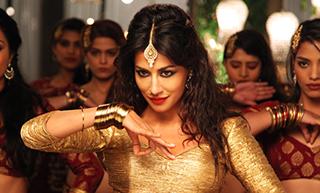 Chitrangada's Sizzling Kundi maat Khadkao Raja Avatar Goes Viral